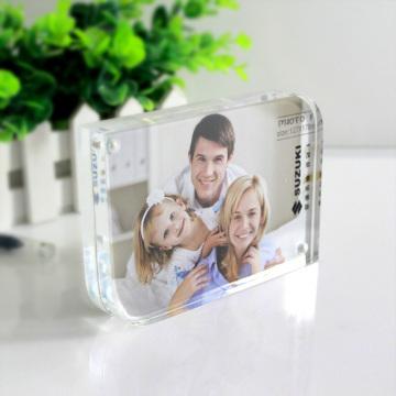 Акриловая двухсторонняя магнитная рамка для фотографий