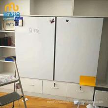 Tableau blanc personnalisable pour portes d'armoires