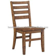 Silla de comedor de madera natural antigua con asiento