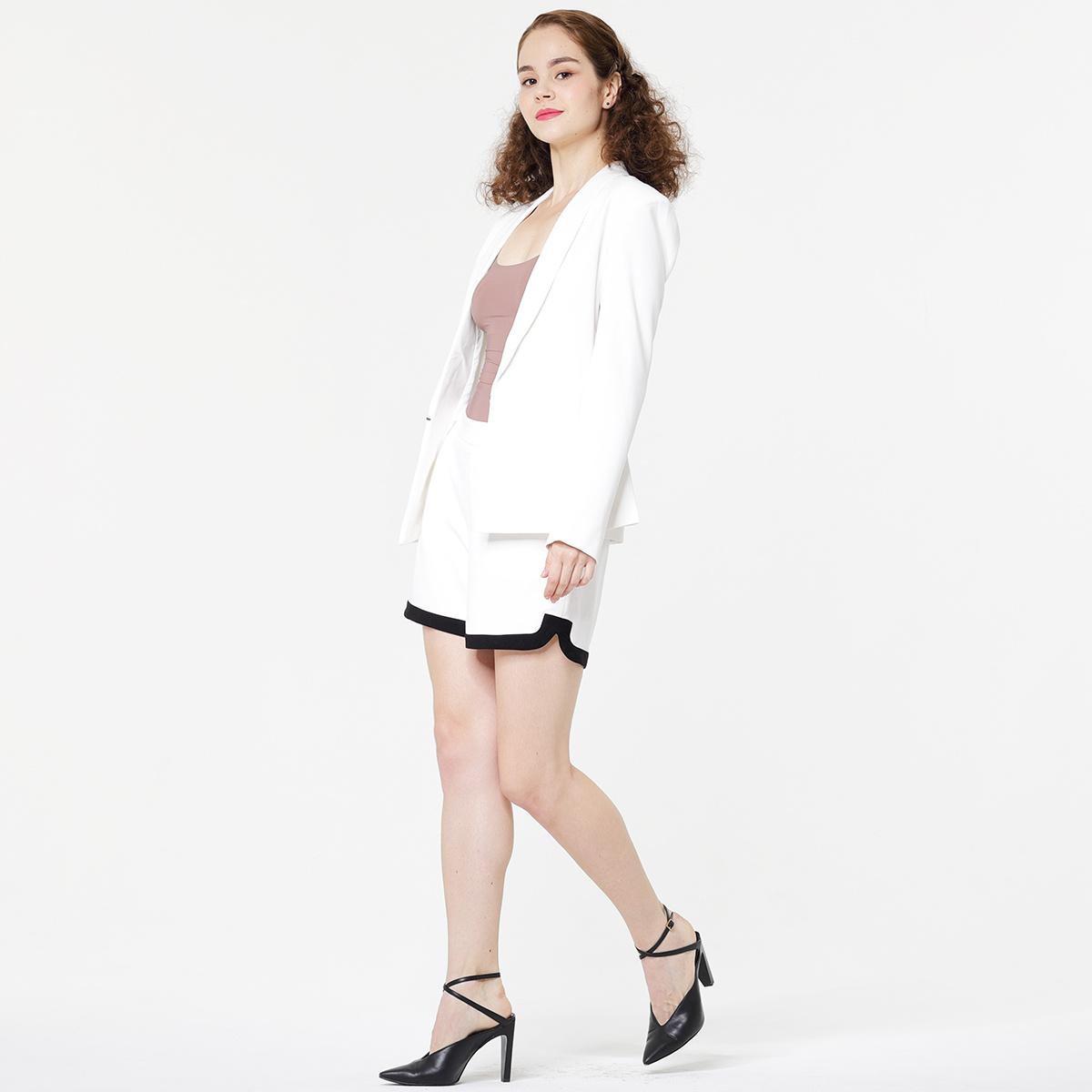 Lady's suit shorts