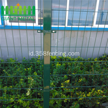 Square Post PVC Wire Mesh Anggar