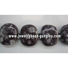 Hermosas perlas de cerámica hecha a mano