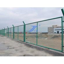 Завод расширил металлический забор с высоким качеством