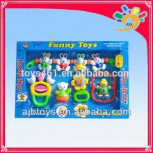 Billige Plastikbaby-Geklapper spielt Baby-Glocken-Rassel