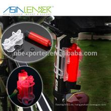 Asia Líder Fácil de instalar sin herramientas Se adapta a cualquier bicicleta Fuente de alimentación de batería 1 * AAA 3 Modos de iluminación Luz de seguridad para bicicletas
