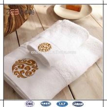 Super qualidade 100% algodão Sateen borda com bordado toalha de hotel de luxo conjuntos