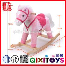 2016 New Riding Toy Plush Rocking Horse con características de sonido y movimiento