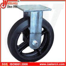Molde en la rueda de goma fijada con el centro del hierro fundido