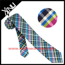 Gravata magro do cristal de rocha da urdidura preto & branco