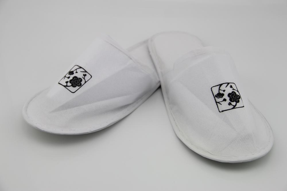 Custom Hotel Room Slippers With Printed Logo