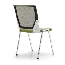 Élégantes chaises à 4 pieds pour la salle de réunion et la salle de conférence
