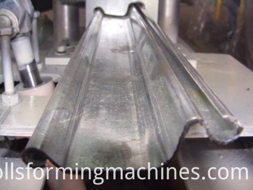 Shutter Roll Forming Machine-shearing system 2
