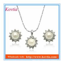 YIWU design de mode de qualité supérieure imitation collier de perles et boucles d'oreille pas cher