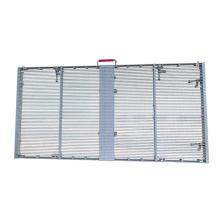 Fassade hinter Fensterglas LED-Bildschirm installieren