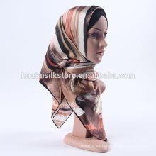 Hijabs de seda impresos a mano