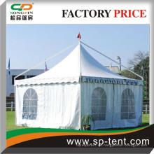 Arbian Canopy Zelte 6mx6m in weißer Farbe mit Fahnen in der Spitze