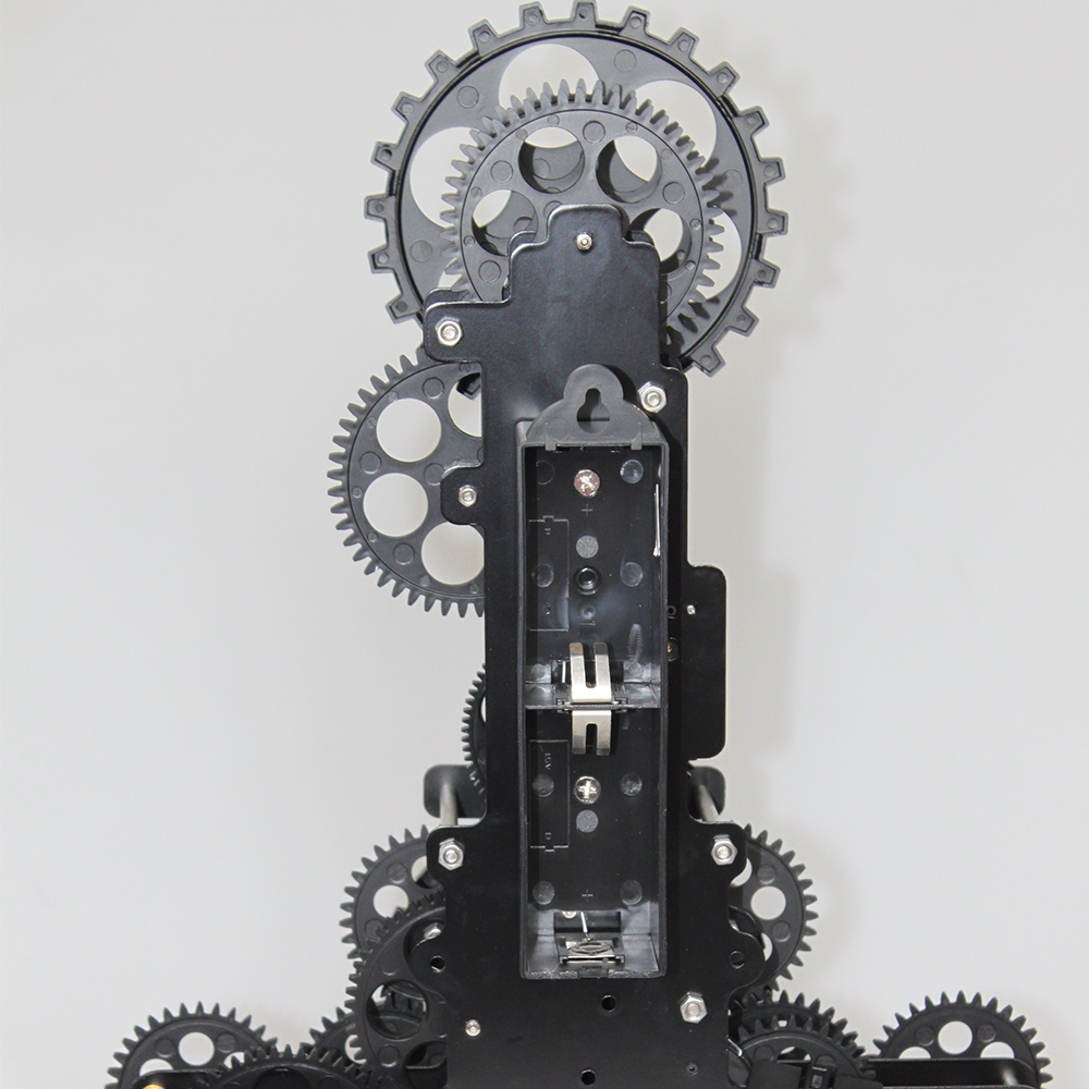 Moving Gear Chain Clock