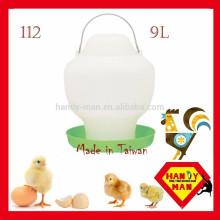 Durable Plastic High Quality Largr Chicken Drinker Crown 112 Alimentador de plástico 9L Ball Type Drinker