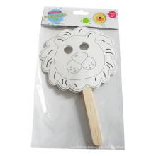 Kinder färben handgemachte Füllung in Papierhandpuppenmaske