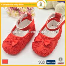 Nouveau design nouveau-né belle satin de dentelle bébé chaussures de fille