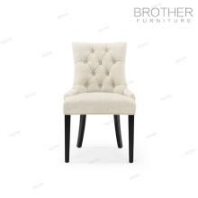 Élégante chaise moderne de banquet arrière de cadre en bois tufté du fabricant de meubles