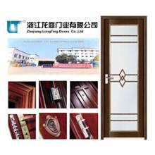 Puerta de baño con marco de aluminio color madera
