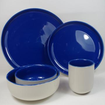 Dinnerset in gres porcellanato color smalto blu