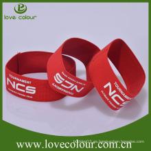 Venda al por mayor las pulseras baratas de la tela de Wristband del poliester / las pulseras elásticos de la insignia de encargo