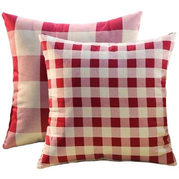 Kissen mit roten und weißen Plaids Musterkissen