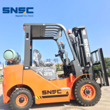 2.5 Ton Gas Fork Lift with side shifter