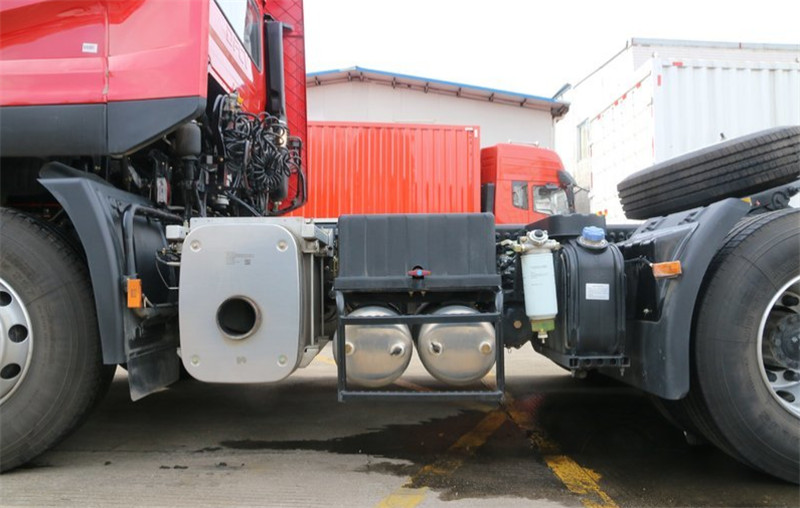 Dongfeng 6X4 Pime mover 14