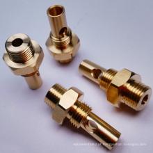 Peça de conector hexagonal industrial para válvula de latão