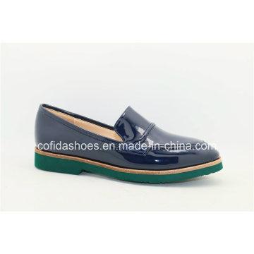 2016 Europe Fashion Flat Comfort Lady Travel Shoe