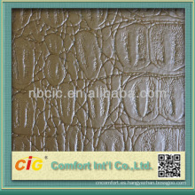 La última moda metalizada graba en relieve los muebles de Croco