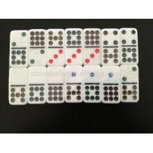Juego de dominó doble de nueve colores con estuche personalizado