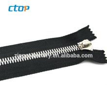 guangzhou factory wholesale metal teeth roll airtight zipper for bag resin zipper invisible nylon zipper