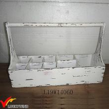 Cesta de madeira branca sólida com divisores