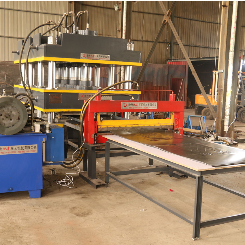door panels pressing machine