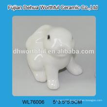 Excellent ceramic animal decoration,white ceramic rabbit statue