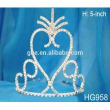 Coroa de strass, coroa e sceptre de coroa real