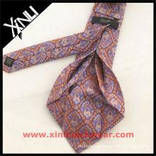 Corbata exclusiva de siete pliegues del vestido de Paisley