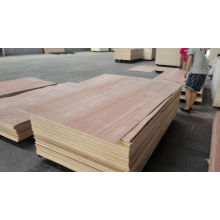 Hoja comercial de la madera contrachapada de Okoume de la alta calidad 9m m / 12m m / 18m m con precio barato
