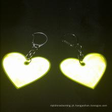 Lembrança de chaveiro de cabide reflexivo barato personalizado coração forma