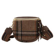 2021 factory whloesale new fashion ins small female fashion woolen bucket shoulder messenger bag