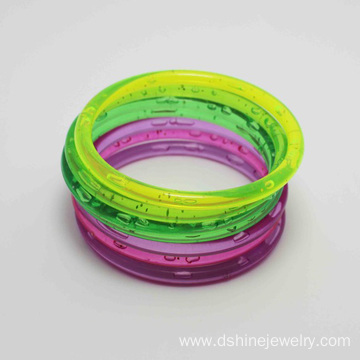Promotional Latest Design Colored Plastic Wholesale Bangles
