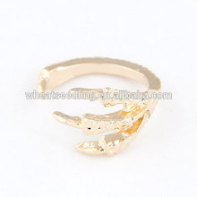 Anneau d'ouverture antique à la mode anneau aiguille aigu