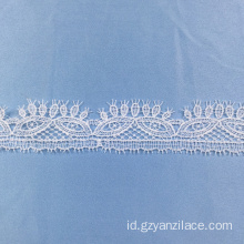 White Bridal Lace Trim Tebal oleh Yard