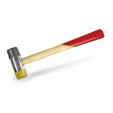 Installer l'outil à main marteau maillet