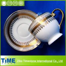 Royal Gold Rim Design Bone China Tasse und Untertasse (CM612078)