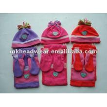 Lindo sombrero polar, bufanda y conjuntos de guantes para los niños
